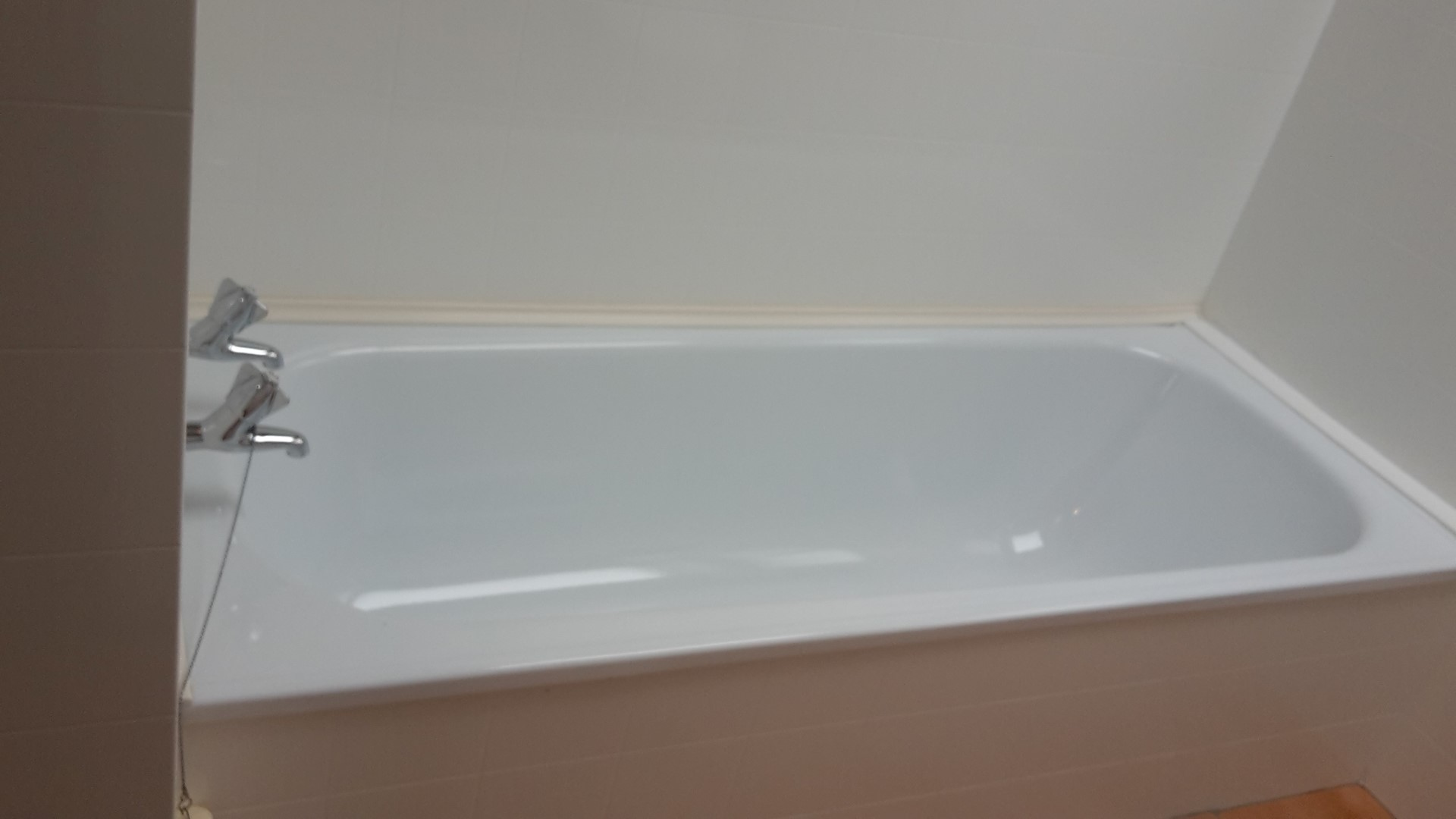 Bathtub Cleaning